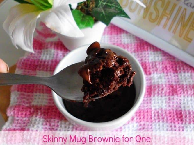 Skinny Mug Brownie for One | www.happyhealthymotivated.com