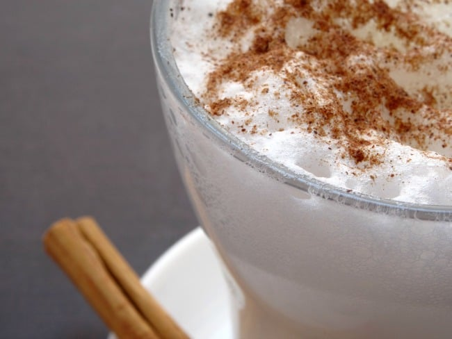 Pumpkin Spice White Hot Chocolate Recipe - a deliciously thick and creamy white hot chocolate flavoured with just the right amount of pumpkin spice. Perfect for sipping on cold fall or winter nights!   www.happyhealthymotivated.com