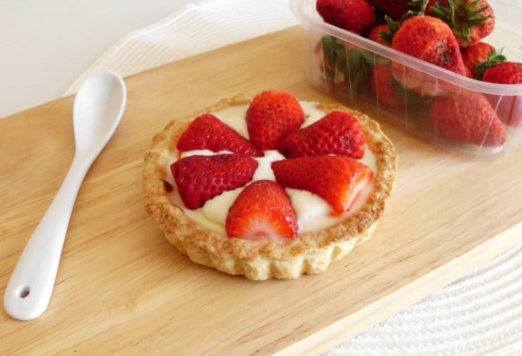 Individual Strawberry Cheesecake Tarts | www.happyhealthymotivated.com