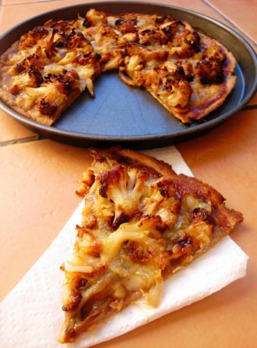 Whole Wheat BBQ Cauliflower Pizza | www.happyhealthymotivated.com