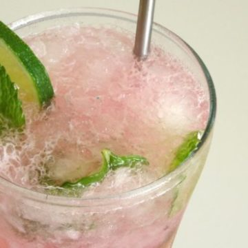 Fresh Watermelon Mojito with Homemade Watermelon Simple Syrup #Recipe   what #cocktail says #summer more than this one?! Plus - you can't not love the gorgeous pink colour!   www.happyhealthymotivated.com