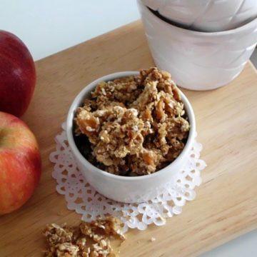 Apple Pie Granola | www.happyhealthymotivated.com