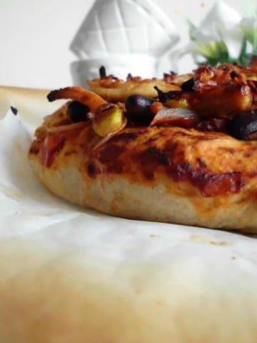 Chicken Fajita Pizza   www.happyhealthymotivated.com