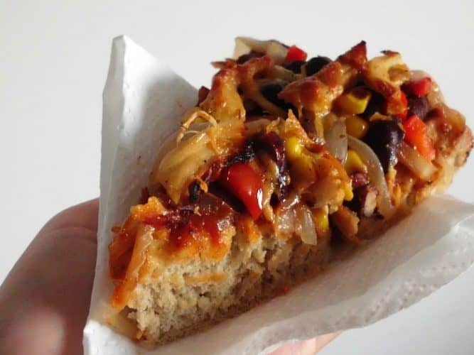 Chicken Fajita Pizza | www.happyhealthymotivated.com