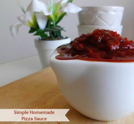 Simple Homemade Pizza Sauce | www.happyhealthymotivated.com