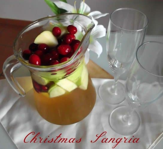 Christmas Sangria | www.happyhealthymotivated.com