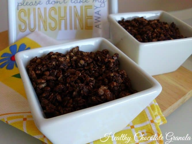 Healthy Chocolate Granola | www.happyhealthymotivated.com