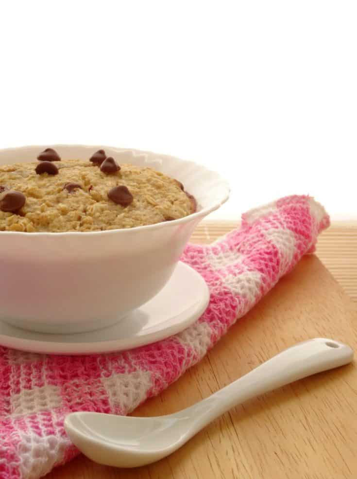 Chocolate Chip Cookie Dough Baked Oatmeal | www.happyhealthymotivated.com