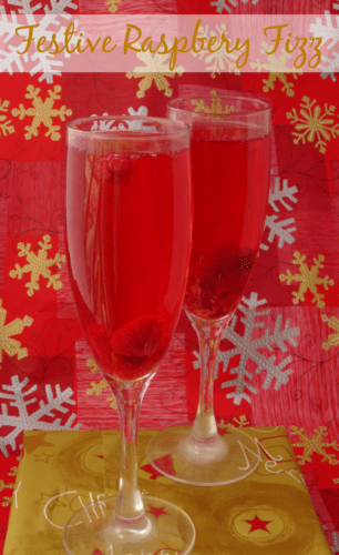 Festive Raspberry Fizz Christmas Cocktail Recipe | www.happyhealthymotivated.com