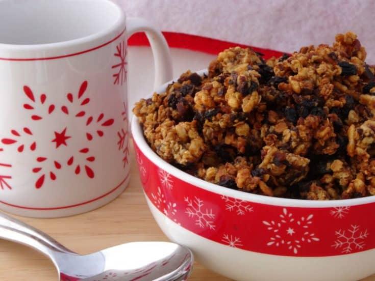 Mince Pie Granola Christmas Breakfast Recipe   www.happyhealthymotivated.com