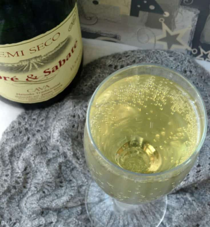Sparkling Elderflower Punch Cocktail Recipe | www.happyhealthymotivated.com