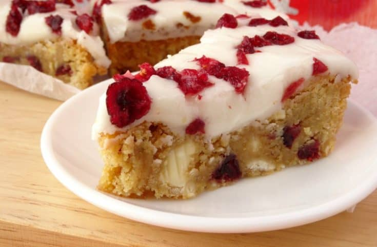 Starbucks Copycat Cranberry Bliss Bars Recipe - forget about spending $$$ at Starbucks for your favourite festive treat. You can make your own Christmas dessert bars at home for a fraction of the price! These bars really do taste just like the ones you get from Starbucks and they're so easy to make! | www.happyhealthymotivated.com