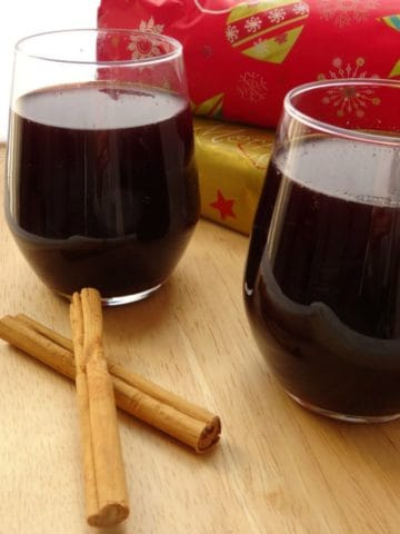 Mulled Sangria Christmas Recipe | www.happyhealthymotivated.com