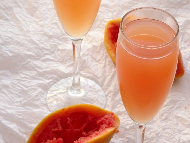 Sweet Grapefruit Kiss Cocktail Recipe - the most amazing alcoholic drink ever made from only 3 ingredients!   www.happyhealthymotivated.com