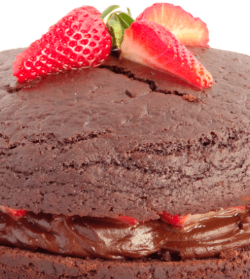The Best Ever Healthy Fat-Free Vegan Chocolate Cake with Strawberries - this really is the ultimate dense and fudgy chocolate cake made with no milk, butter or eggs!   www.happyhealthymotivated.com