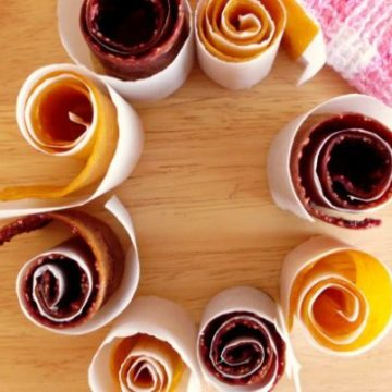 Healthy Mango & Raspberry Fruity Rollups Recipe - delicious homemade fruit leather which is really easy to make and packed full of goodness! | www.happyhealthymotivated.com