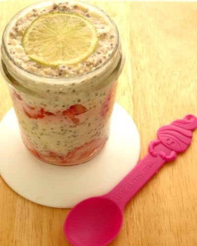 Strawberry & Lime Overnight Oats #Recipe - this healthy breakfast recipe can be made in a cute mason jar for a quick and easy breakfast recipe to take on the go! | www.happyhealthymotivated.com