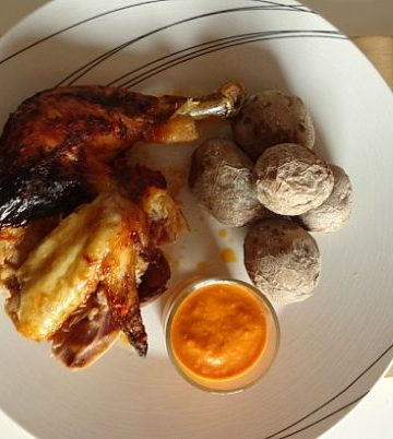 Healthier Adeje Chicken #Recipe - a delicious roast chicken smothered in a spicy red-pepper based mojo sauce typical of the Canary Islands. This recipe is a great way to jazz up an ordinary roast chicken!   www.happyhealthymotivated.com