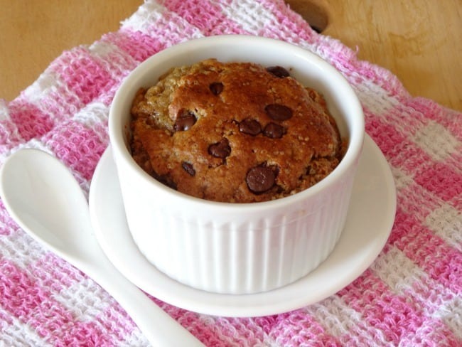 Skinny Single-Serving Chocolate Chip Cookie Cake #Recipe - an eggless fat-free cake for one that tastes like a heavenly cross between a crunchy chocolate chip cookie and a fluffy chocolate chip cake. Takes less than 30 minutes to make from start to finish!   www.happyhealthymotivated.com