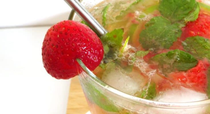 Strawberry #Mojito #Cocktail #Recipe - a fruity and refreshing summer cocktail that takes just seconds to make. This cocktail always goes down well at parties | www.happyhealthymotivated.com