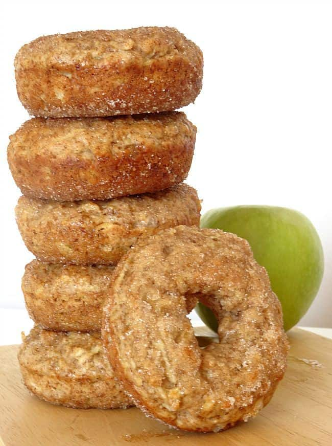 Baked Apple Cinnamon #Donuts #Recipe - these donuts are super-easy to make and are bursting with fall flavour! Plus, their a bit healthier, since they're made with only 1 tablespoon of butter for 6 huge donuts and are baked in the oven.   www.happyhealthymotivated.com