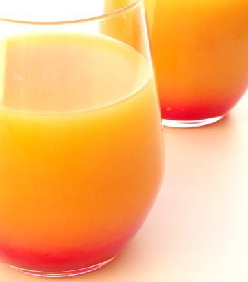 Tequila Sunrise #Cocktail #Recipe - the colours of this gorgeous tequila cocktail are so striking, making it the perfect WOW drink to serve guests at a party! Plus it's only made from three basic ingredients and the layering technique is so simple that anyone can do it! | www.happyhealthymotivated.com
