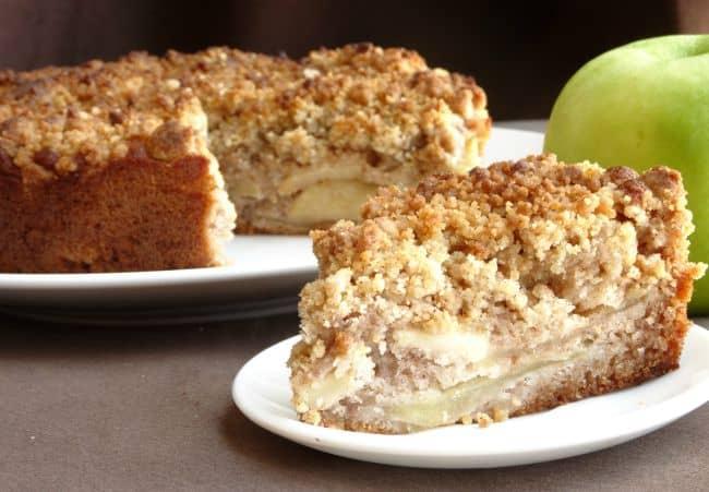 Healthy Apple Crumble Cake Recipe