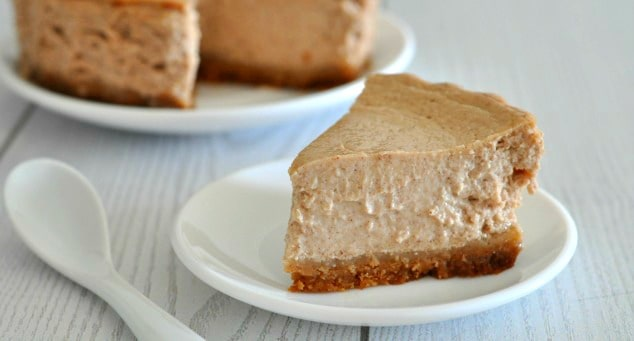 Healthy Pumpkin Spice Cheesecake Recipe   Love the fall flavor of pumpkin spice but hate actual pumpkin? This cheesecake is for you! It's got the most amazing smooth and creamy texture for just 250 calories a slice and contains absolutely no pumpkin. Gimme a fork!
