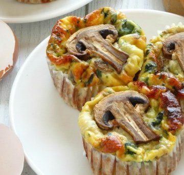Healthy egg cups | Healthy breakfast egg cups | Healthy egg cups recipe | Healthy breakfast egg cups recipe | Clean eating egg cups