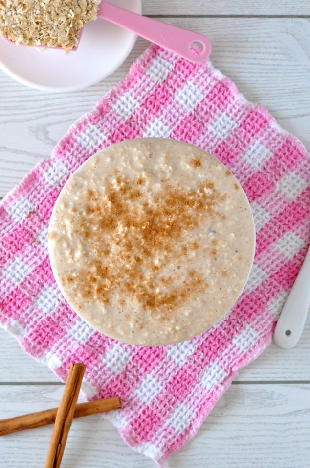 Bowl of cinnamon cookie overnight oats