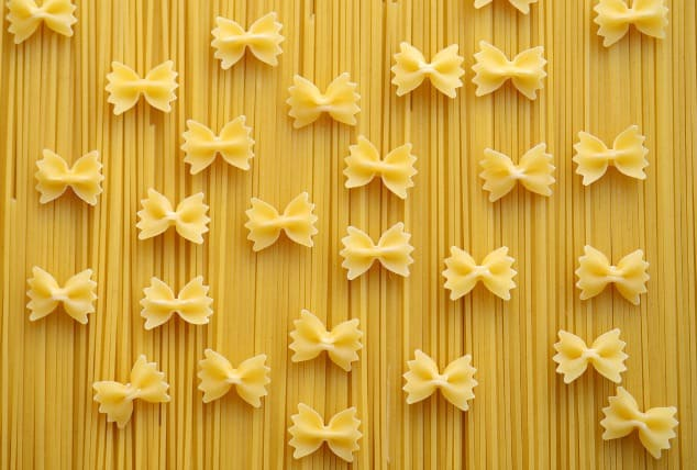 Gluten-free spaghetti and pasta bow ties that are low FODMAP foods