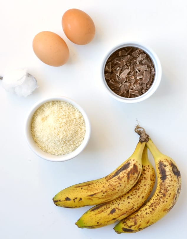 All the ingredients you need to make healthy banana bread muffins